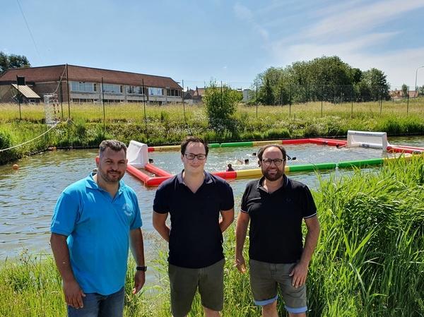 L'étang du parc Vauban à Veurne devient une piscine extérieure - Vijver Vaubanpark Veurne wordt openluchtzwembad