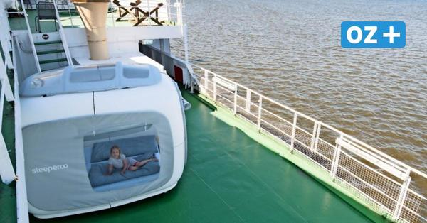 Übernachten im Sleeperoo-Würfel: So schläft es sich auf Rostocks Traditionsschiff
