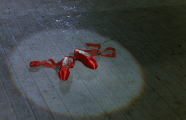 Escena de 'Las zapatillas rojas' (1948)