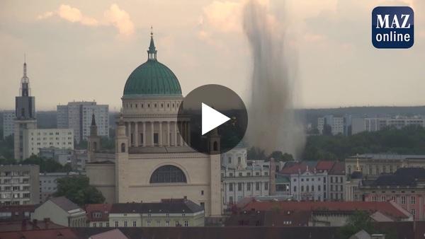 Der Moment der Sprengung der Weltkriegsbombe in Potsdam am 26. Juni 2020