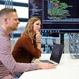 So macht VW Produktionsmitarbeiter zu Software-Experten