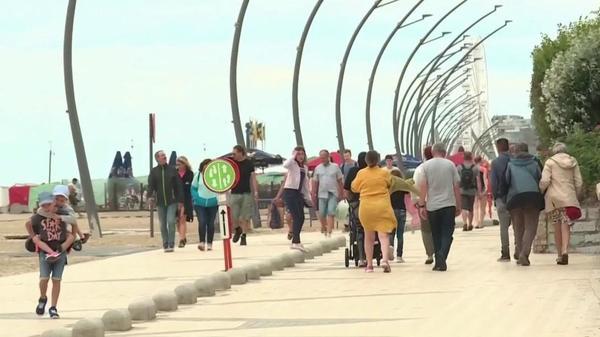 Les Français de retour sur les plages belges - Fransen terug op Belgische stranden