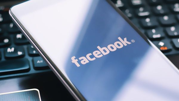 Facebook admits to wrongly sharing user data with third party apps yet again