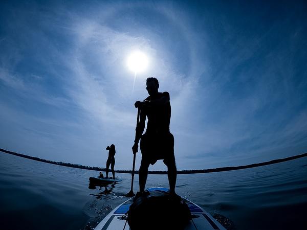 Allein am Steinhuder Meer gibt es drei SUP-Schulen. (Foto: Tim Schaarschmidt)