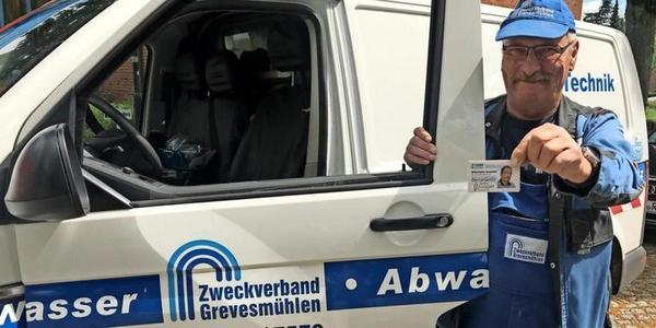 Fiese Masche in Nordwestmecklenburg: Betrüger wollen als Zählermonteure ins Wohnhaus