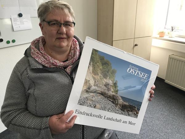 Gewinnerin Manuela Zulkowski in der Lokalredaktion Grevesmühlen
