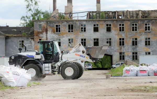 Es wird viel abgerissen in Krampnitz - aber nicht nur. Foto: Bernd Gartenschläger