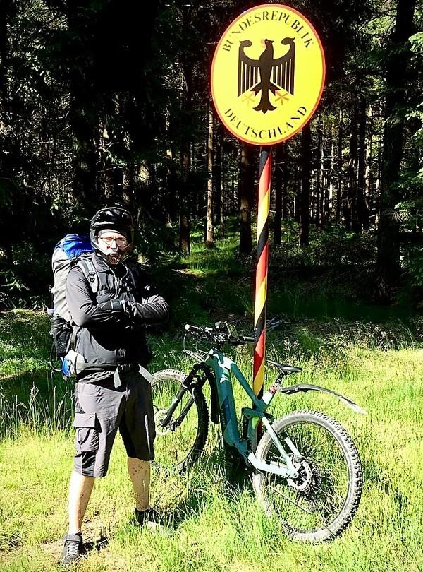Radfahren im Oberpfälzer Wald: Wilde Tiere kreuzen den Weg.