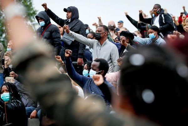 Activisten organiseren alternatief voor racismedebat Jort Kelder