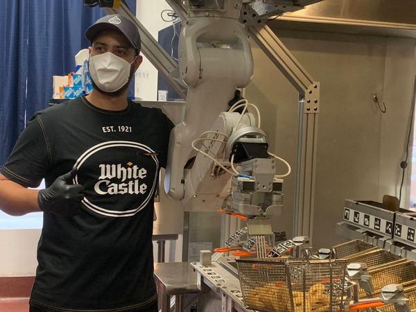Miso's kitchen robots will slide into White Castle restaurants this year