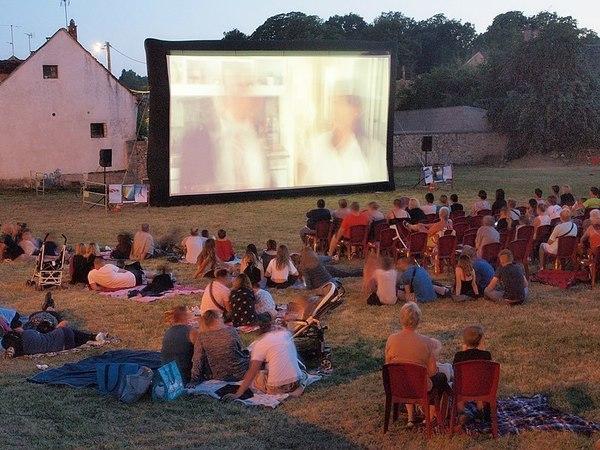 Des séances gratuites de cinéma en plein air organisées dans les parcs de Dunkerque cet été - Deze zomer gratis openluchtcinema in de parken van Dunkerque