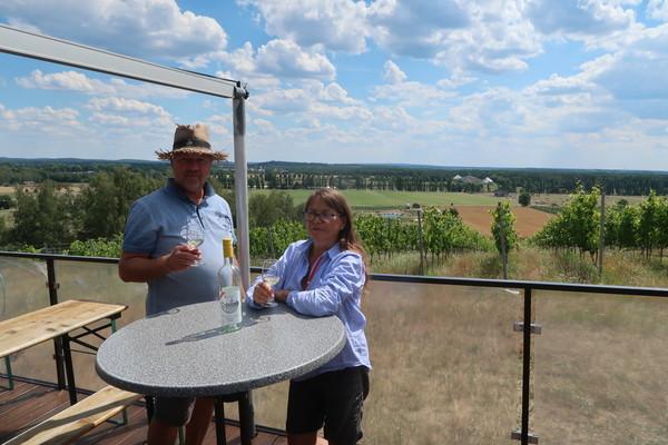 Jens-Uwe und Katja Poel, Weinberg-Besitzer in Werder. Foto: Annika Jensen