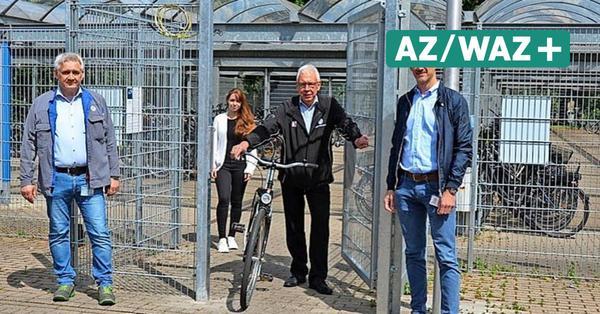 Fahrradständer an Toren des Wolfsburger VW-Werks bekommen Schließanlagen