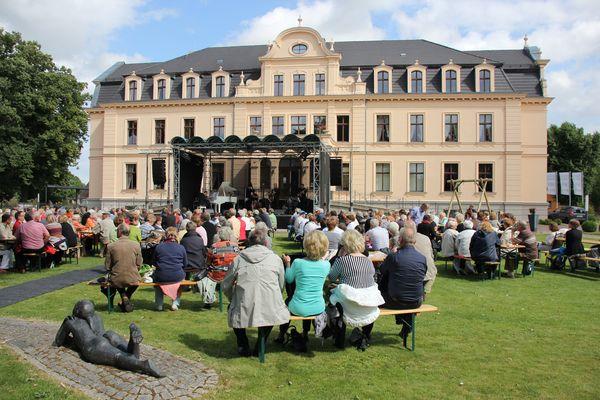 Sonntagskonzert im Ribbecker Schlossgarten. Foto: Christin Schmidt