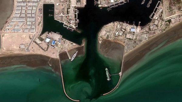 Iran verlegt US-Flugzeugträger-Attrappe in Golf