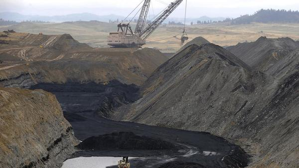 Coal mine cleanup could create thousands of jobs across the West, report finds