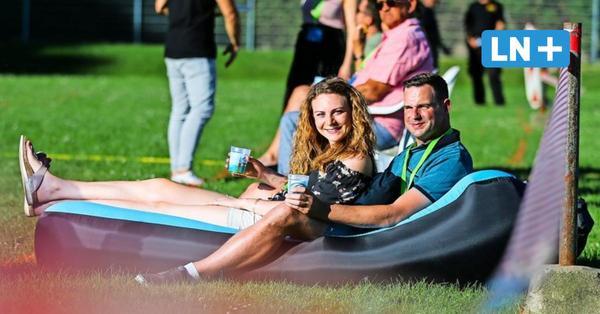 Corona austricksen: Gartenparty auf dem Sportplatz