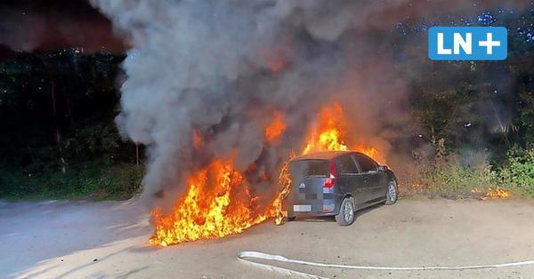 Scharbeutz: Autos brennen unter B-76-Brücke