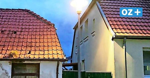 Anwohner sind sauer: Straßenlaterne vor Grundstückseinfahrt in Bad Doberan gebaut