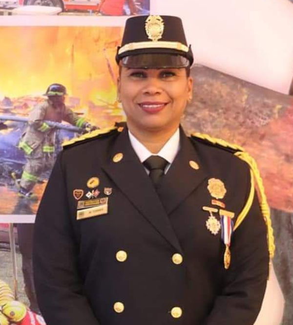 After 18 years of service, Captain Matilde Torres became the first woman to hold the position of deputy director general of the firefighters of Panama in the 133 years of this institution. [click on image]