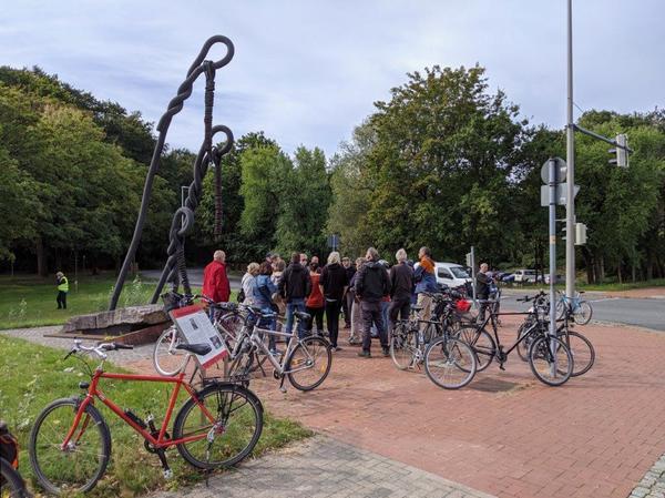 Der Vergangenheit auf der Spur: Eine Fahrradtour führt zu NS-Gedenkstätten. (Foto: Privat)