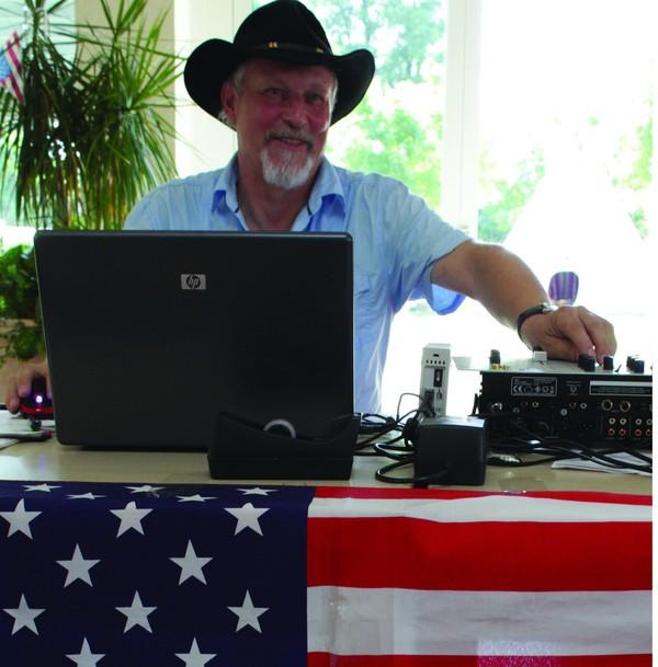 Will in Neuruppin für ordentlich Stimmung sorgen: DJ Nick.