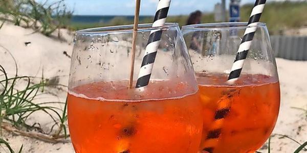 Urlaubsbild des Tages: Ein kühler Drink am Strand von Andre Oberli