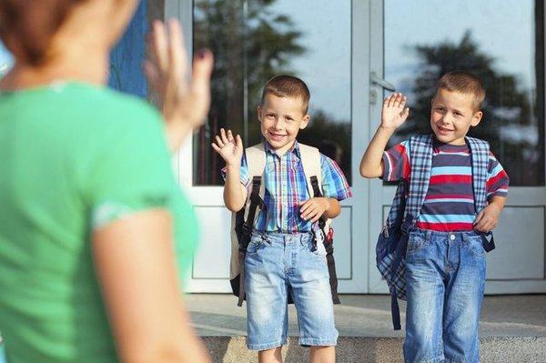 Des enfants français partent suivre leur scolarité de l'autre côté de la frontière - Leerlingen uit Frankrijk vinden weg naar scholen in West-Vlaanderen