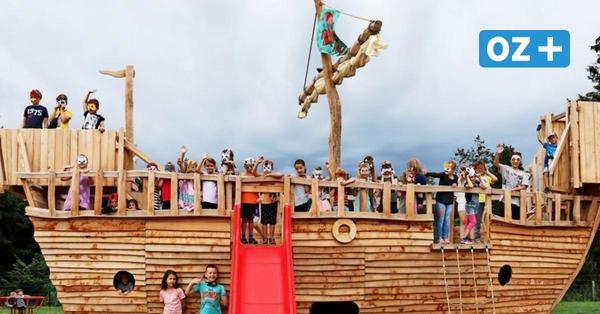 Reddelich: Neuer Spielplatz mit Abenteuerschiff eingeweiht