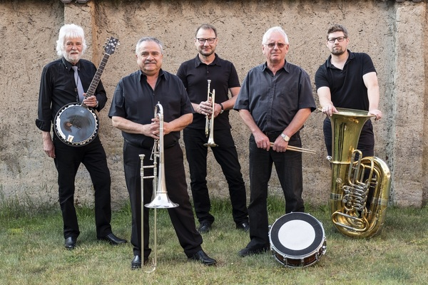 Die Oldtime Marching Band tritt beim Dixielandfest auf. Foto: Promo