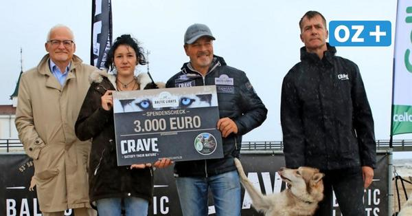 Schauspieler Till Demtroeder übergibt 3000 Euro an Usedomer Tierhof