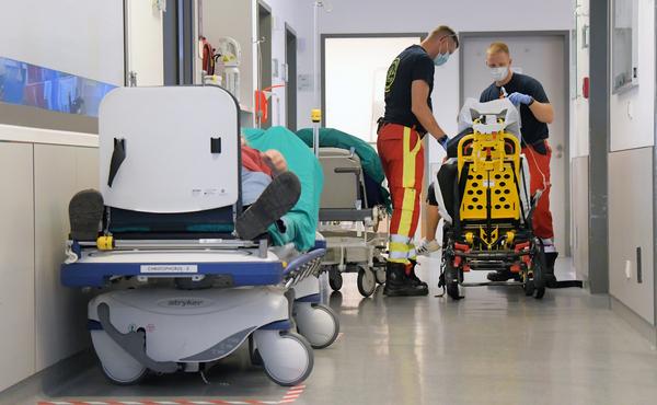 Ein ruhiger Nachmittag in der Notaufnahme im St.Josefs kann schnell umschlagen: Wenn sich das Klinikum abmeldet, ist der Andrang dort kaum zu bewältigen. Foto: Bernd Gartenschläger