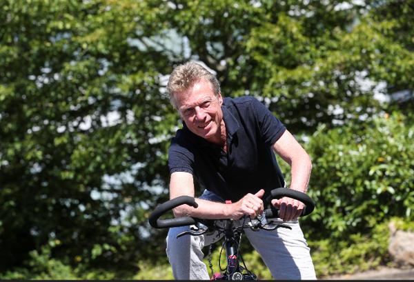 HAZ-Fahrradexperte Bernd Haase kennt die Strecke, weil er einen Teil davon fast täglich für den Arbeitsweg benutzt. (Foto: Michael Thomas)