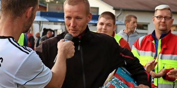 Hansa Rostock in Niepars: Wie dieser Mann aus einem Acker einen Fußballplatz machte