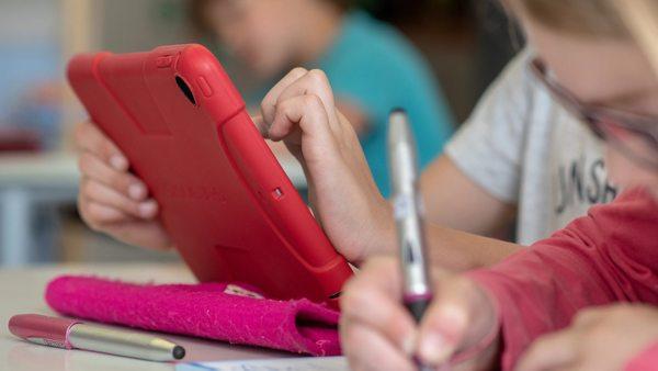 Bildung: FDP fordert digitale Endgeräte für alle Schüler