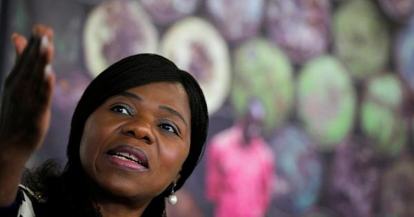 Thuli Madonsela weighs in on controversial Clicks images | eNCA