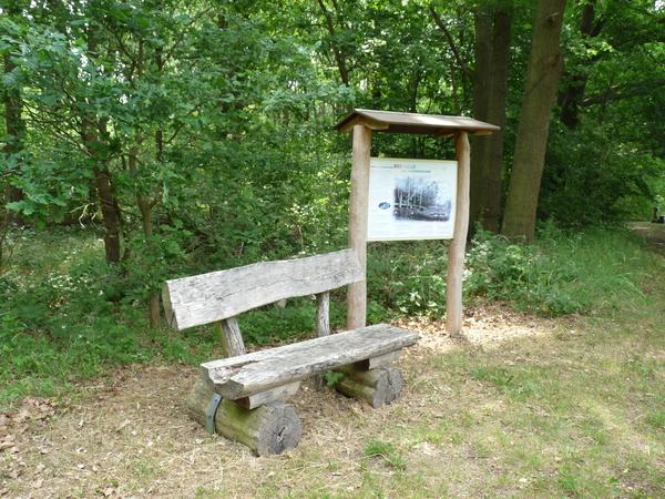 Von Klasdorf aus wird der Naturlehrpfad in Glashütte überquert. Dort stehen viele Info-Tafeln.  Foto: Gertraud Behrendt
