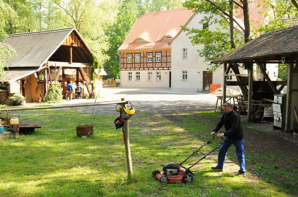 Das Museumsdorf Dübener Heide erwacht nach der coronabedingten Zwangspause wieder langsam zum Leben. Foto: Steffen Brost