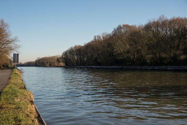 Les promoteurs du canal Seine-Nord se défendent face à la Cour des comptes européenne - De promotoren van het Seine-Noordkanaal verdedigen zich bij de Europese Rekenkamer