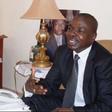 Amougou Belinga annonce l'ouverture de Vision Finance à Édéa