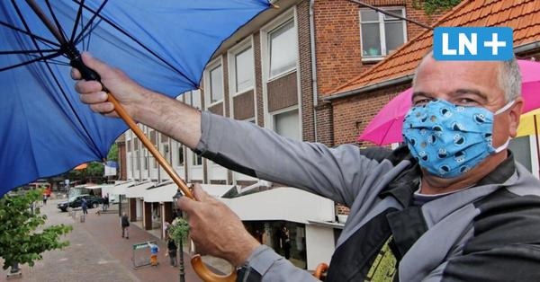 Oldenburg spannt Regenschirme in der Innenstadt auf
