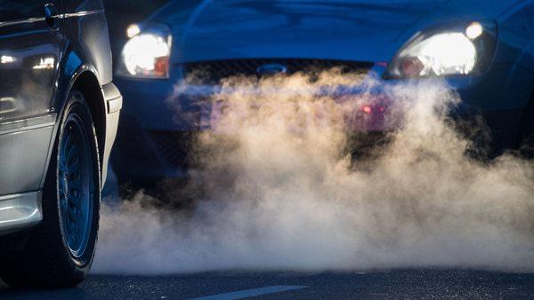 Verschärftes EU-Klimaziel: CO₂-Ausstoß bei Autos soll erneut sinken