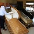 Over 3,000 funeral industry workers threaten to strike | eNCA