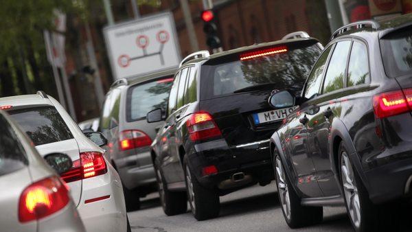 """München: Forscher empfehlen """"Anti-Stau-Gebühr"""" um Verkehrsprobleme zu lösen"""