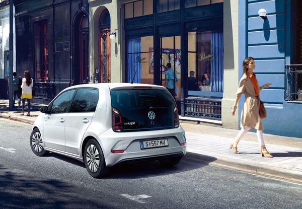 Zu hohe Nachfrage: VW verhängt Bestellstopp für Ministromer E-Up