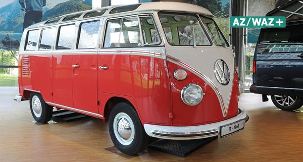 """Schmuckstück: Samba-Bus """"Renate"""" steht in der Autostadt"""