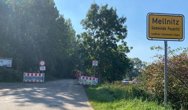Straße in Mellnitz für Autos gesperrt (Foto: Anja Krüger)