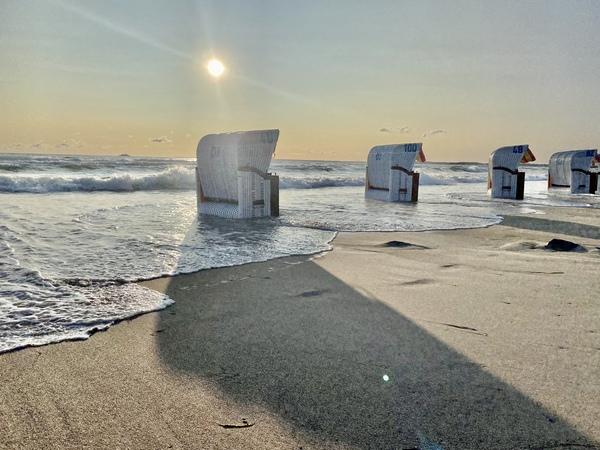 LN-Leser Stefan Wolf fing diese Impressionen am Strand von Scharbeutz ein