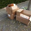 ''Oud papier hoort niet in plastic zakken''