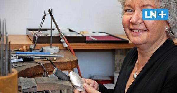 Goldschmiedin aus Lübeck fertigt Echtschmuck aus Ostsee-Muscheln
